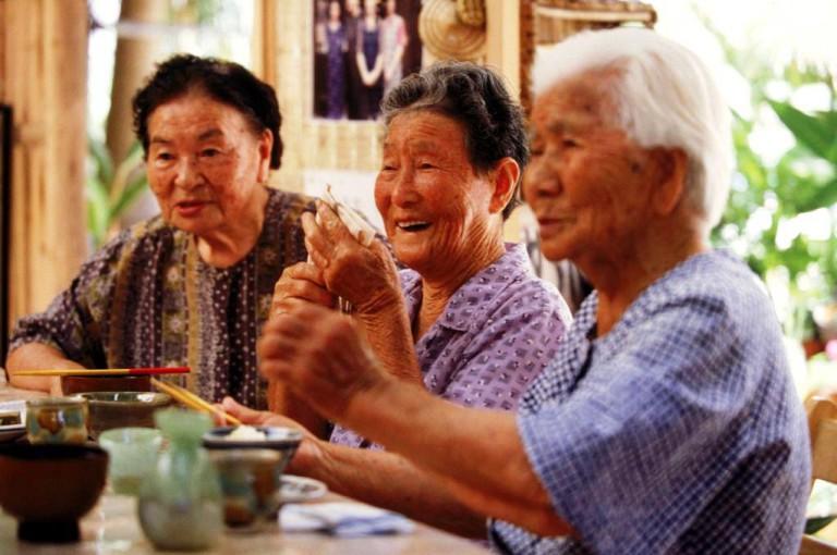 Общение очень много значит в жизни японцев на пенсии
