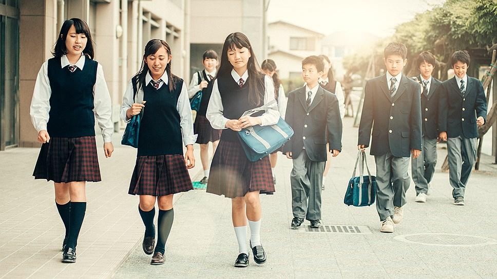 Школьники добираются до места учебы пешком
