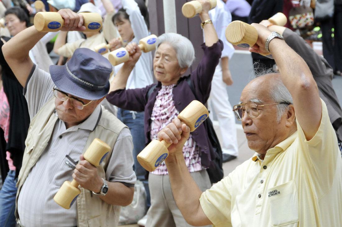 Пожилые японцы много двигаются